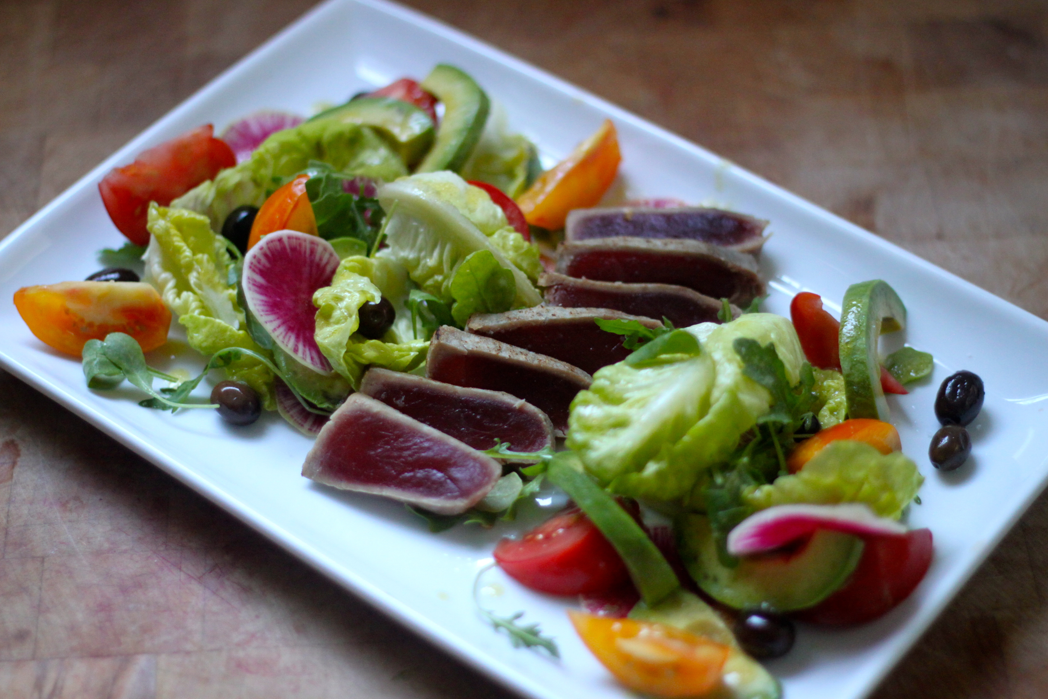 Seared Tuna and Little Gem Salad with Arugula, Heirloom Tomatoes ...